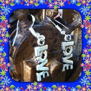 Jewelry - Love Earrings